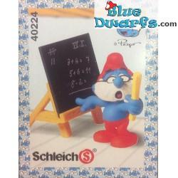 40224: Blackboard Smurf