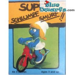 40236: Schtroumpfette avec vélo (Superschtroumpf)
