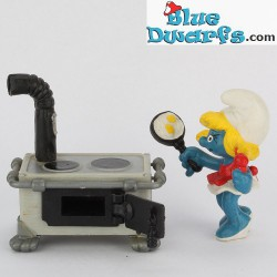 40238: Kitchen, Smurfette in