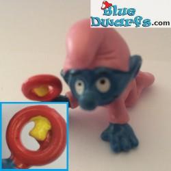 20202: Babysmurf met roze rammelaar,