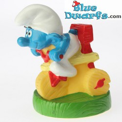 Tricycle Smurf *Candytopper*  (BIP Holland, +/- 8cm)