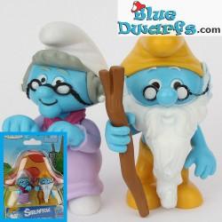 Grandpa and Granny smurf (+/- 7cm)