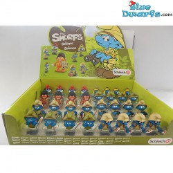 20776- 20783: 4 x 2016 Jungle smurfs Schleich (32 smurfs)