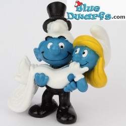 20746: Bride and Groom Smurfs (Occasion 2013)