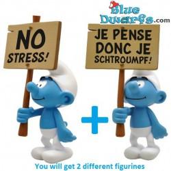 """PLA0181+PLA182: Porteur de Pancarte Schtroumpfs """"No Stress + Je Pense donc je schtroumpf"""" (2018)"""