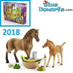 Schleich Horses: Horse Club Sarah's baby animal care t (Schleich 42432)