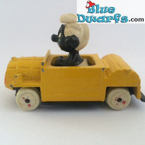 Angry smurf in yellow car ESCI (smurf black, G)