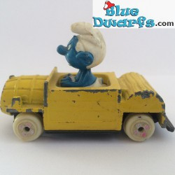 Angry smurf in yellow car ESCI (blue smurf, G)
