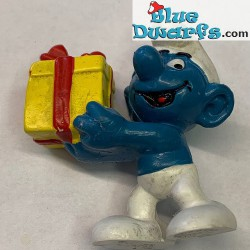 20086: Present Smurf with...
