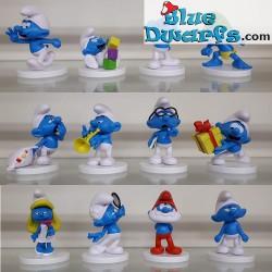 12 Promo Smurfs on pedestal...