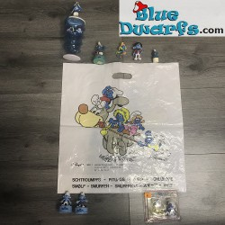 1 x Smurf item