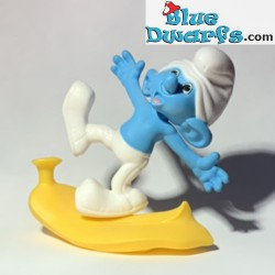 Clumsy smurf with banana...