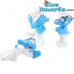 3 x smurf figurine...