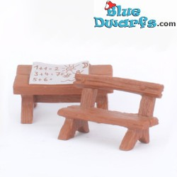 40220: School desk (without...