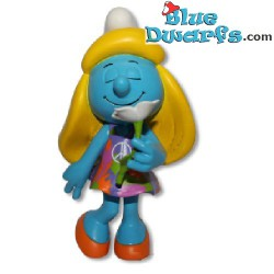 Smurfette with flower (purple dress) *Plastic* (Goldie Marketing, +/- 15 cm)