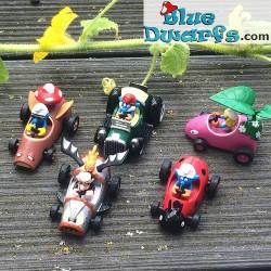 5 x Smurf *Diecast racer* (+/- 3.5 x1.6 x 4.3 cm)