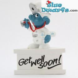 20037: Doctor Smurf *Get Well Soon!* (pedestal)