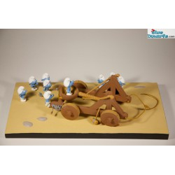 pixi: 2 smurfs on the table playing chess PREORDER