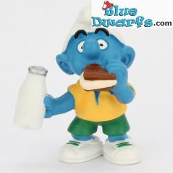 20463: Smurf with Sandwich (matt variant, 2000)