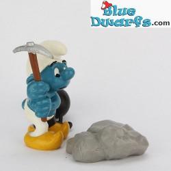 40213: Chain Gang Smurf