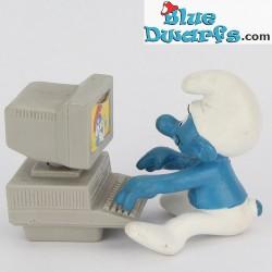40249: Computer Smurf
