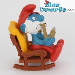 40228: Grote Smurf in schommelstoel *MINT IN BOX/ NEW STYLE*
