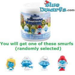 4 x Mash'ems *twist 'em &squish 'em* smurfs  (+/- 6cm)